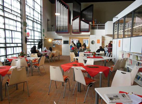 Das Café Feuerherz und der TafelLaden sind zentrale Bestandteile der Sozialkirche in Kiel-Gaarden
