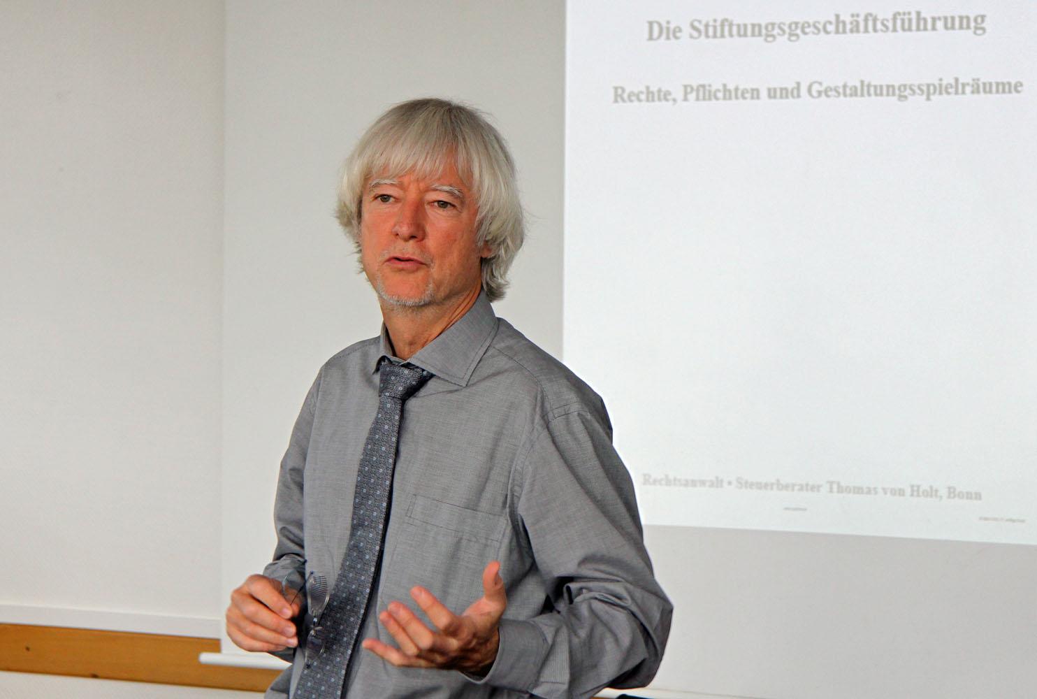 Rechtsanwalt und Steuerberater Thomas von Holt. Fotos: Henze