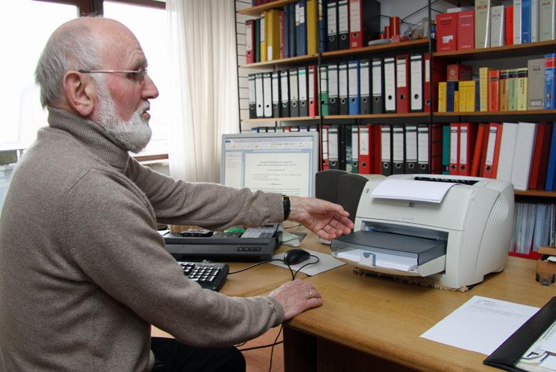 Helmut Vollert organisiert die Iris-Stiftung überwiegend alleine.