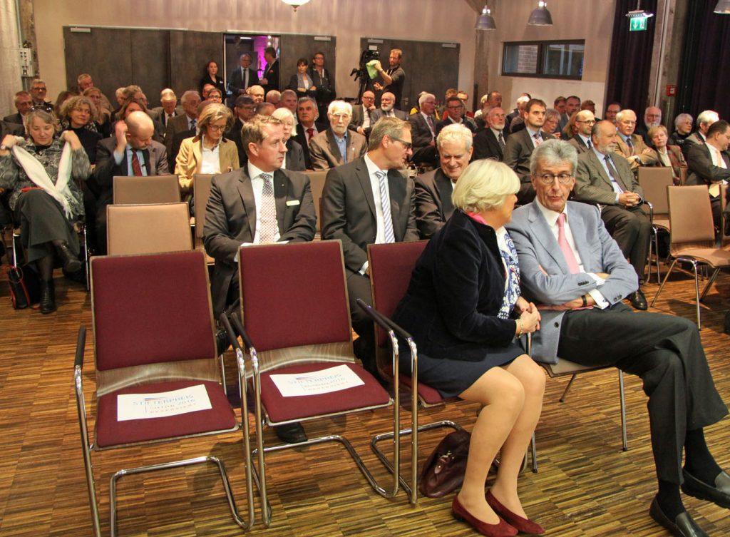 Das Auditorium: In der ersten Reihe Ina und Michael Haukohl, Stifter aus Lübeck.
