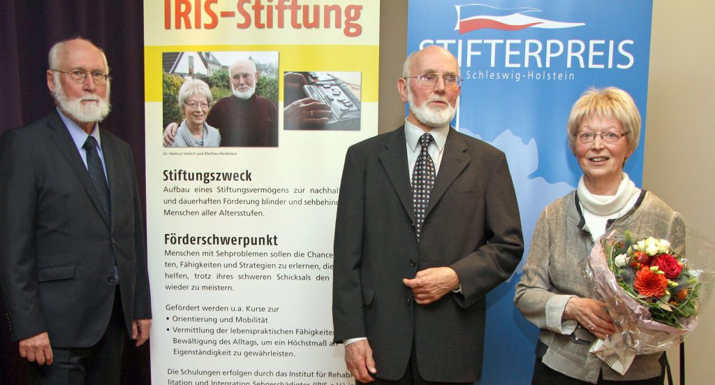 Die Sieger-Stiftung (von links): Dennis Cory, Dr. Helmut und Heidelore Vollert.