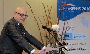 Ministerpräsident Torsten Albig betont die Bedeutung gemeinnütziger Stiftungen für die Gesellschaft.