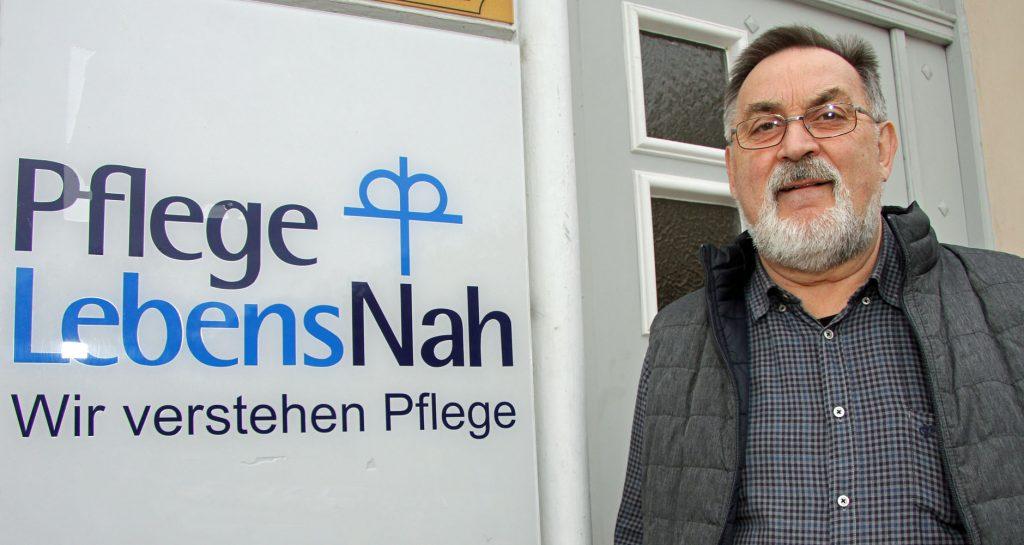 Stiftungsvorstand Norbert Schmelter. Fotos: Henze, PflegeLebensNah, privat